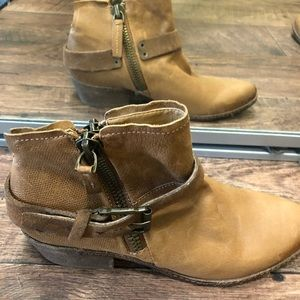 Dolce vita leather booties BNWT